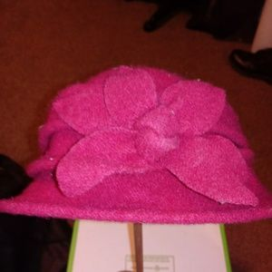 Vintage 100% wool red hat with flower